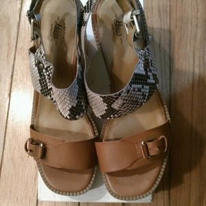G. H. Bass Size 10 M Faye Wedges Women's Shoes